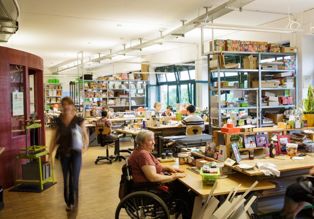 Die Buchbinderei der Kaspar Hauser Stiftung