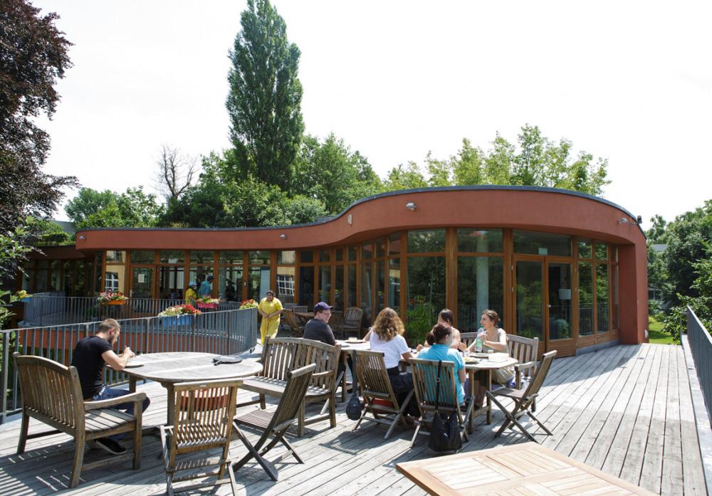Caféteria in der Platanenstraße